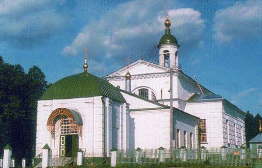 Кресто-Воздвиженский храм в селе Снегирево
